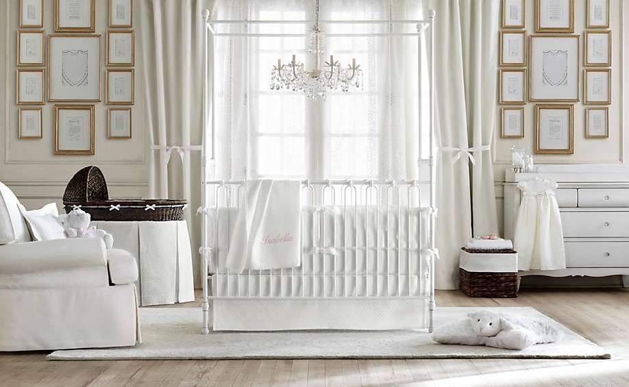 Neutral-baby-room-decor